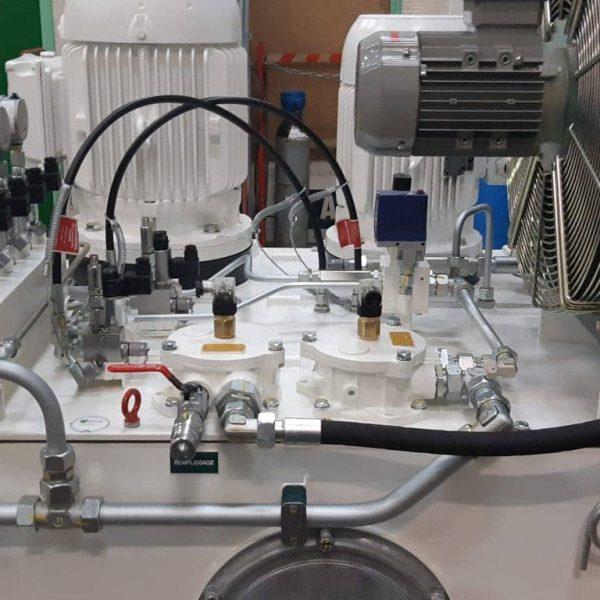 réalisation d'une centrale hydraulique par hydrofluid technologies à caudan