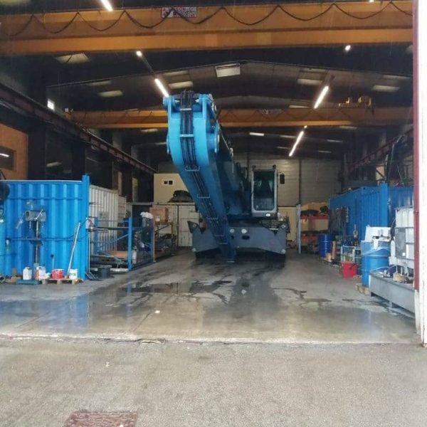 maintenance hydraulique d'un tracteur à brest pour réparer des vérins et changer des flexibles chez hydrofluid technologies