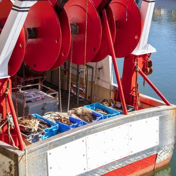 enrouleurs hydrauliques sur un bateau de peche a lorient par hydrofluid technologies