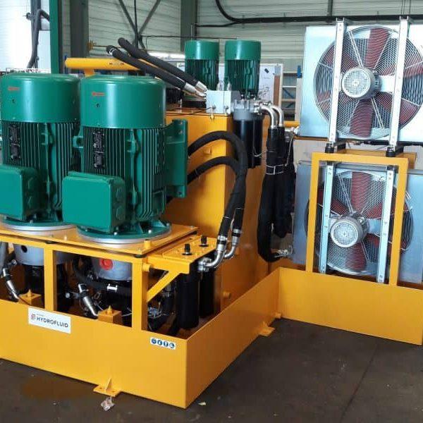 conception d'une centrale hydraulique pour alimenter une machine spéciale dans l'industrie par hydrofluid technologies pour toute la france