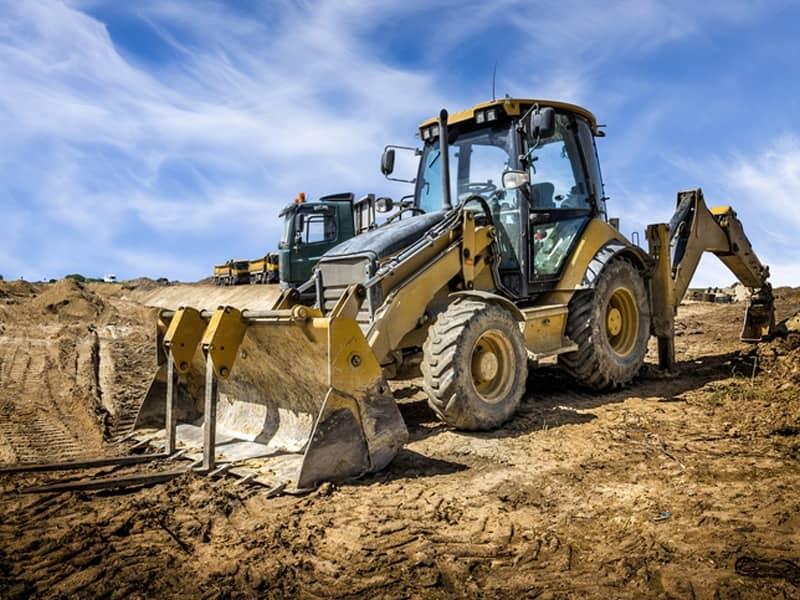 maintenance des composants hydrauliques de tracteurs pour le TP, pour l'agriculture et de camion par hydrofluid technologies à brest, caudan et lorient