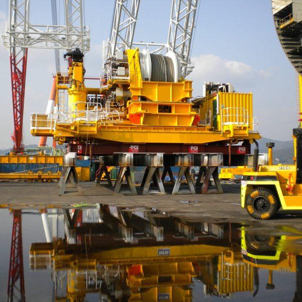 travaux d'installation d'un équipement hydraulique pour la recherche de pétrole dans le secteur de l'offshore pour l'international par hydrofluid technologies